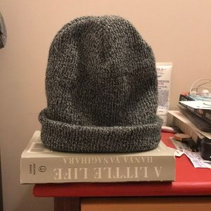 LIKE NEW Urban Outfitters BDG beanie in grey